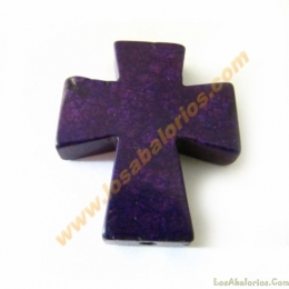 Cruz de howlita 30mm ancho, 37 mm largo y 7mm de grueso color morado