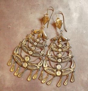 Peruvian gold earrings 2